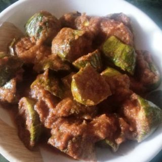 pointed gourd curry