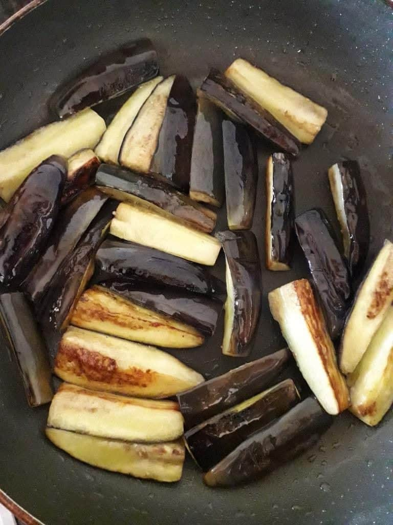 shallow fried brinjals