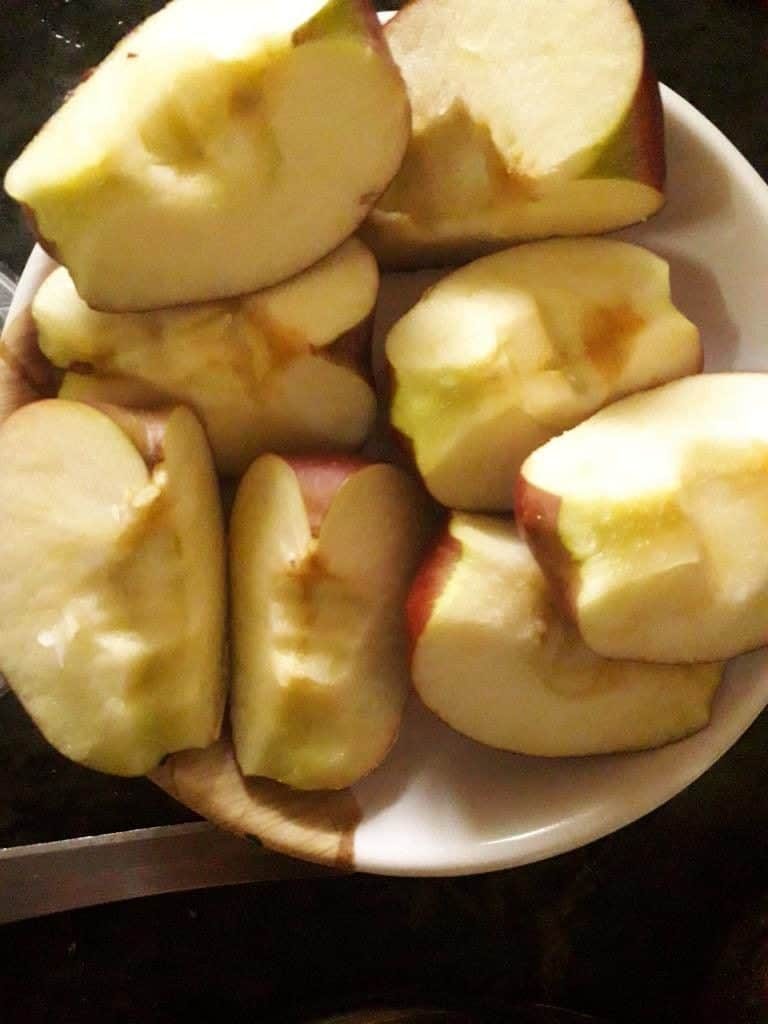 Apple pieces for Apple Halwa